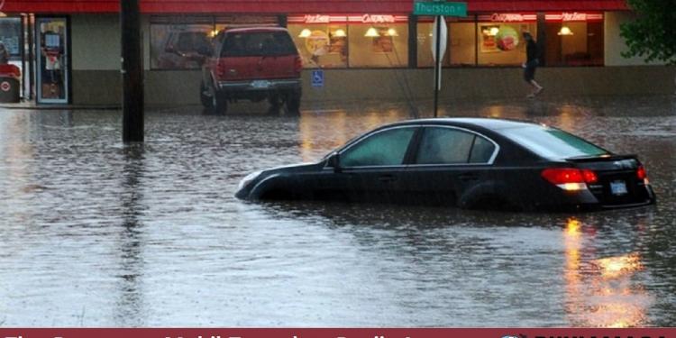 Tips perawatan mobil terendam banjir