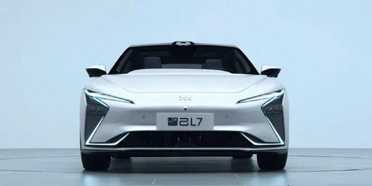 Mobil listrik zhiji l7