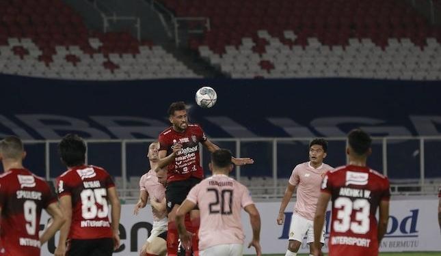 Bali united vs Persik/ Bola.net