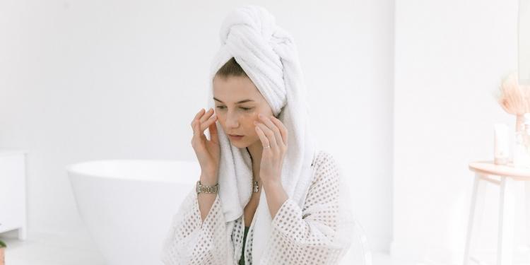 cara perawatan wajah mingguan